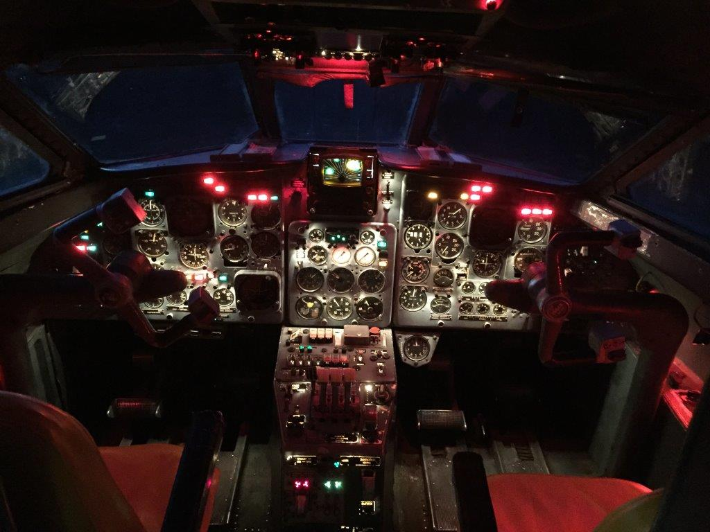 cockpit_night1.JPG